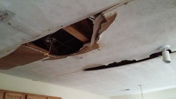 Before and After Water damage clean up lithonia, GA